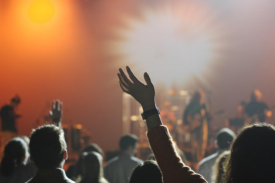 Danske unge låner penge til Roskilde Festival-billetten
