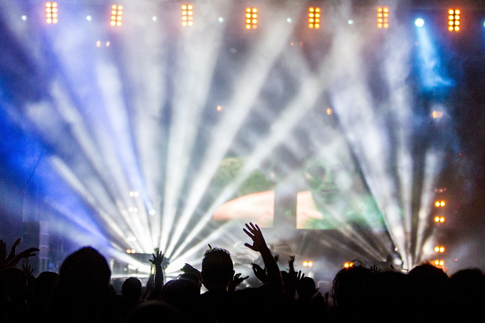 Kan jeg låne penge til Roskilde Festival på nettet?